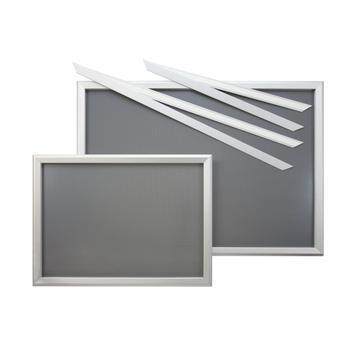 """System ram wystawowych """"Feko"""", anodowany na kolor srebrny, narożniki cięte po skosie"""