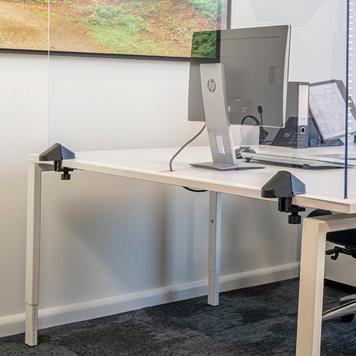 Zacisk stołowy z tworzywa sztucznego