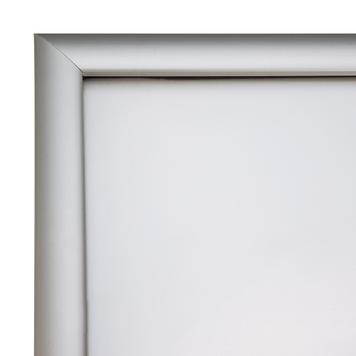 """Wodoszczelny stojak plakatowy """"Smart"""", profil 25 mm, z narożnikami po skosie"""